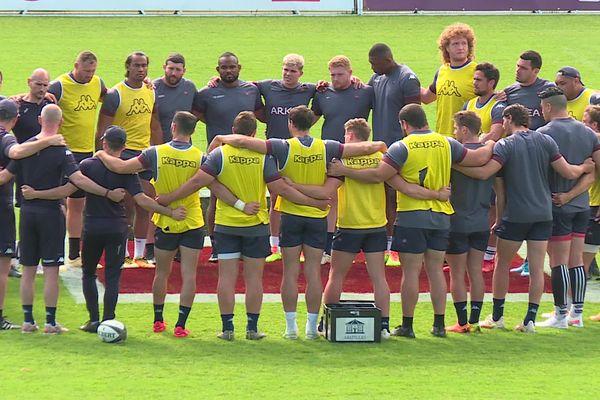 Les joueurs de l'UBB soudés lors de leur dernier entraînement public avant le match face à Clermont.