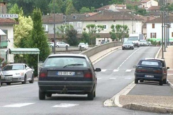 La commune est débarrassée du passage de 10 000 véhicules par jour.