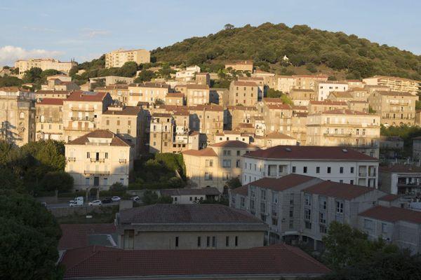 Illustration. La commune de Sartène en Corse-du-Sud
