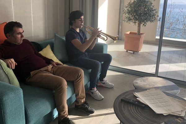 Raphaël Horrach, jeune prodige de la trompette, à son domicile