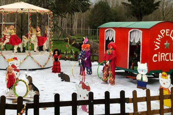 Chaque année, des habitants de Vimpelles créent leurs décorations de Noël.