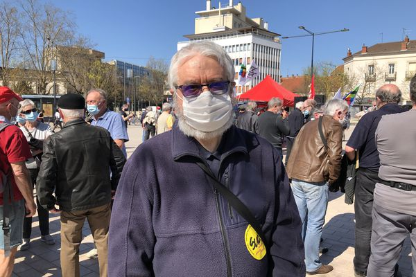Yves Hollinger, manifestant pour les retraites.