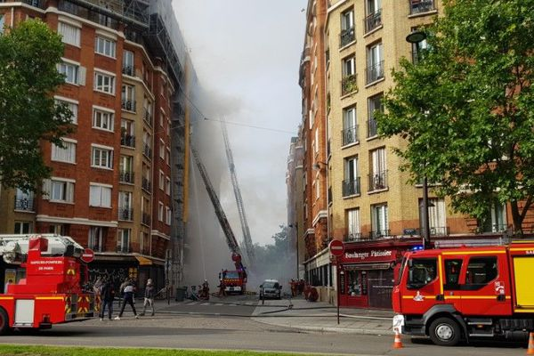 L'immeuble concerné se situe au 136, boulevard Brune.