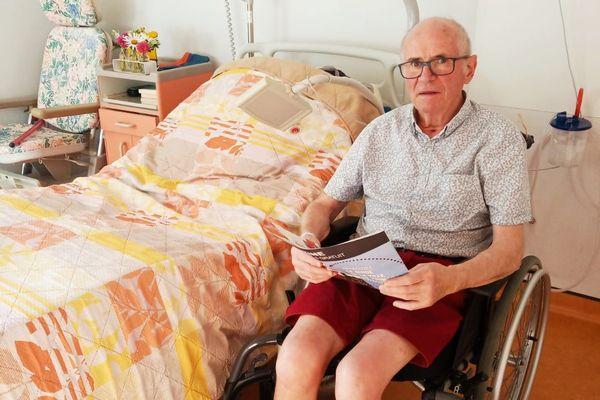 Michel Foucher à hôpital de Laval après huit semaines de réanimation