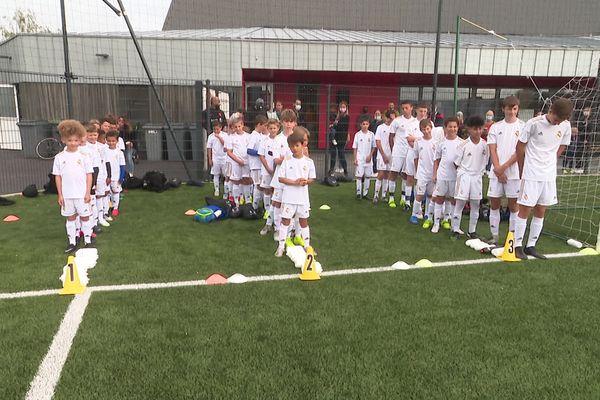 Cinquante enfants participent à ce stage organisé par la Fondation du Real Madrid.
