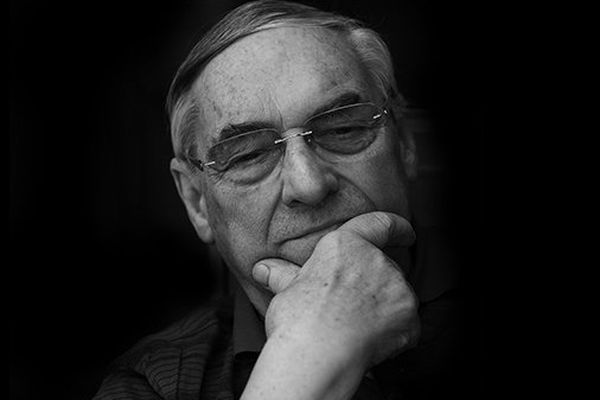 Raymond Berthillon, fondateur du célèbre glacier Berthillon de l'Ile Saint-Louis, à Paris, qui fête cette année son 60e anniversaire, est décédé samedi à l'âge de 90 ans.