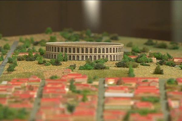 L'amphithéâtre d'Augustoritum, il pouvait accueillir 25 000 personnes assises.
