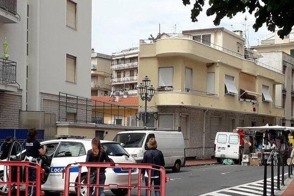 Les services de police en place pour la réouverture du marché de Vintimille, le 12 juin dernier.
