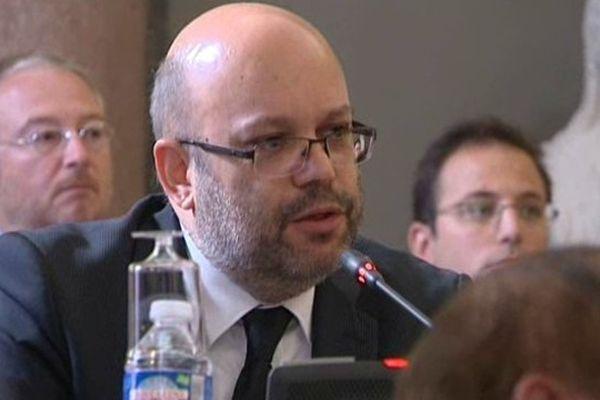 Philippe Pradal a été élu 1er adjoint à la mairie de Nice, le 3 septembre 2013, lors d'un conseil municipal extraordinaire