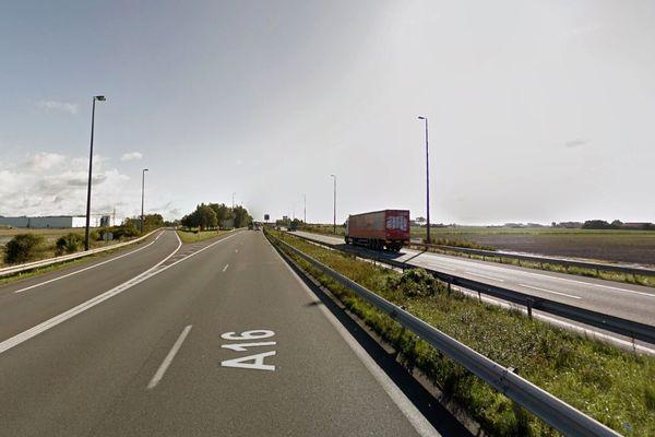 L'autoroute A16 est coupée dans le sens Calais-Dunkerque, à hauteur de Calais.