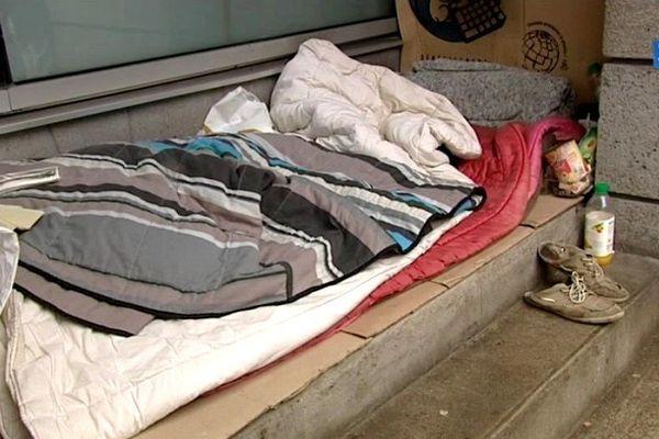 Des places d'hébergement supplémentaires ont été crééespour éviter que les SDF dorment dehors en cette période de froid, comme ici à Nantes