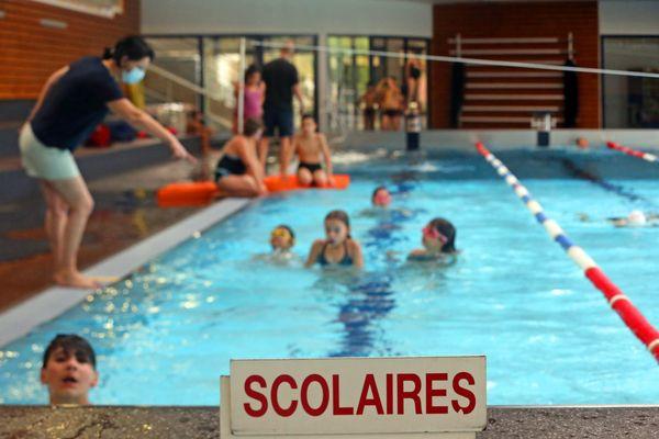 Les écoliers n'ont toujours pas retrouvé le chemin des piscines.