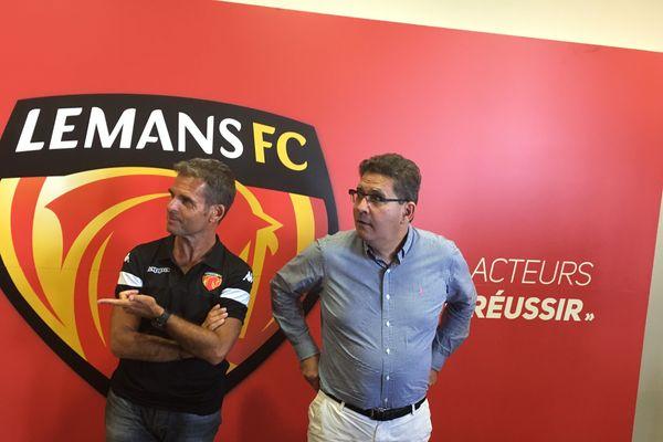 Didier Ollé-Nicolle, le nouvel entraîneur, et Thierry Gomez regardent désormais dans la direction du Conseil d'Etat, tout en préparant la saison... en National...
