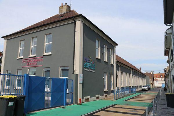 """Le """"lazaret"""" de Guînes, hôpital militaire, avait été créé dans les bâtiments de cette école à Guînes."""