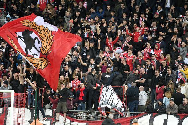 La tribune du stade de Reims