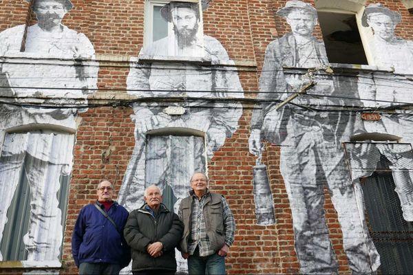 Des anciens mineurs, à Bruay-la-Buissière.