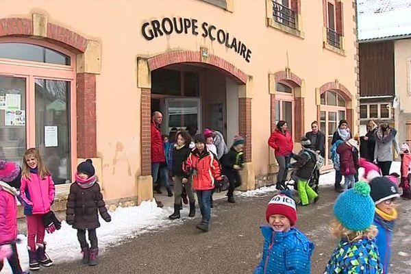 L'école des Fourgs dans le Haut-Doubs sera fermée mardi 19 mars.