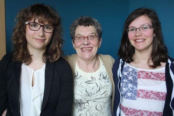 Rencontre entre Georgette Godes et deux collégiennes de Ouistreham, 20 mars 2014