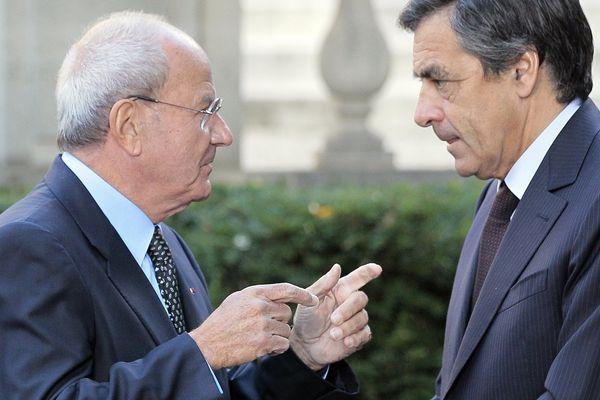 Marc Ladreit de Lacharrière et François Fillon à l'Hôtel de Matignon lors de la cérémonie de remise du Prix de l'Audace Créatrice 2010, le 17 septembre 2010.