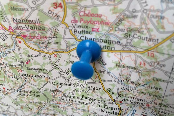 Champagne-Mouton (16) niché dans l'une des vertes vallées de la Charente limousine
