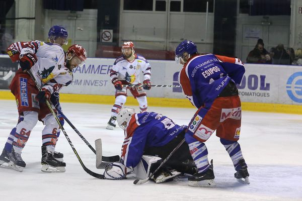 Les Brûleurs de loups se sont imposés 6 buts à 2 contre les Scorpions de Mulhouse