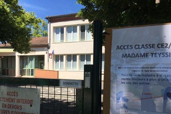 L'école primaire de Sorges-et-Ligueux ne peut ouvrir. Une cantinière a été détectée positive au Covid-19.