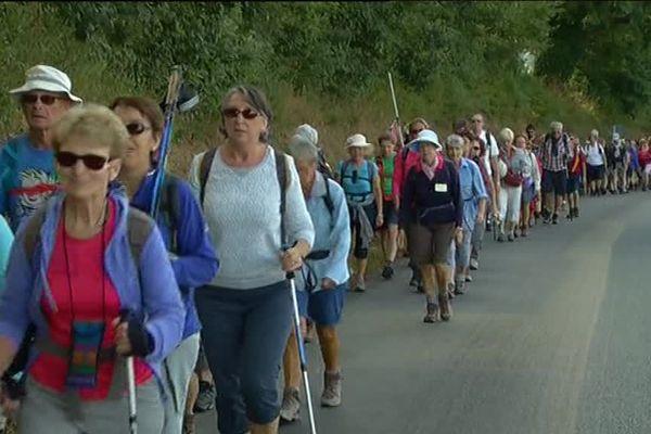 Les marcheurs se retrouvent sur les chemins de Bretagne pour le Tro Breiz