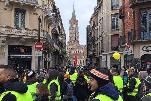 Le début de la manifestation s'est déroulé dans le calme. Le cortège a essayé de se rapprocher le plus possible du centre-ville.