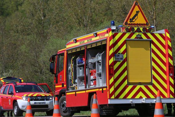 Des secours intervenant sur un accident impliquant un tracteur dans le Doubs (France-Comté) en 2018. (image d'illustration)
