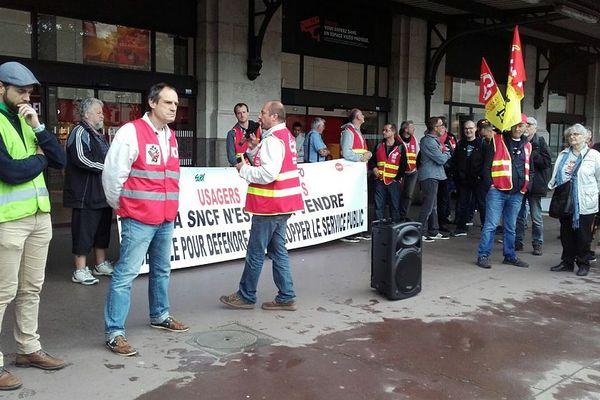 """""""Pas de rupture de l'unité syndicale"""", pour les 5 syndicats engagés dans le mouvement."""
