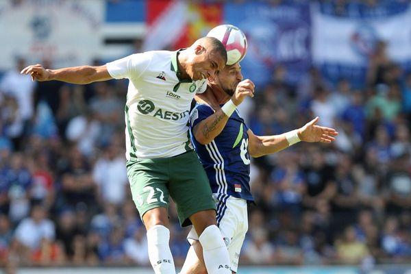 Les deux équipes ont fait preuve de combativité dans une ambiance survoltée.
