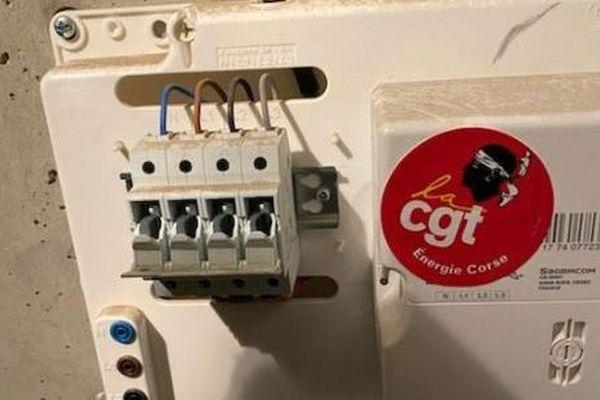 La CGT Energie Corse a organisé une nouvelle action en faveur des usagers, jeudi 6 février, en coupant les compteurs numériques partout en Corse.