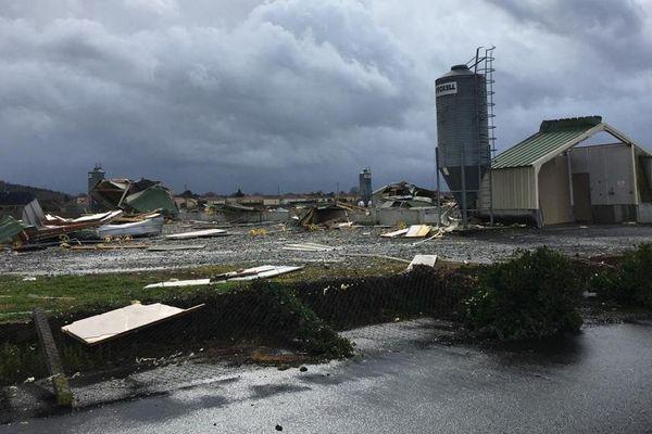 A Orleix, les bâtiments d'un élevage de poulets ont été emportés par les rafales de vent.