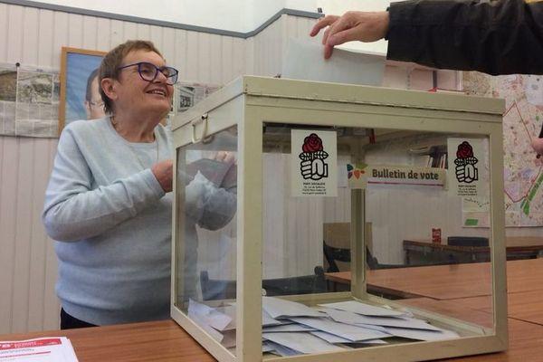 Malgré des règles de scrutin assouplies, on a peu voté hier soir à Reims.
