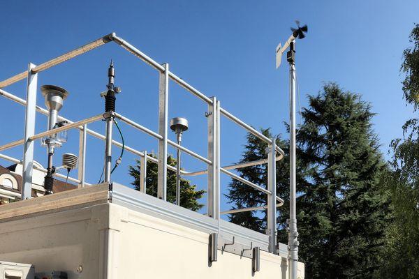 Une station d'Atmo pour mesurer la qualité de l'air.