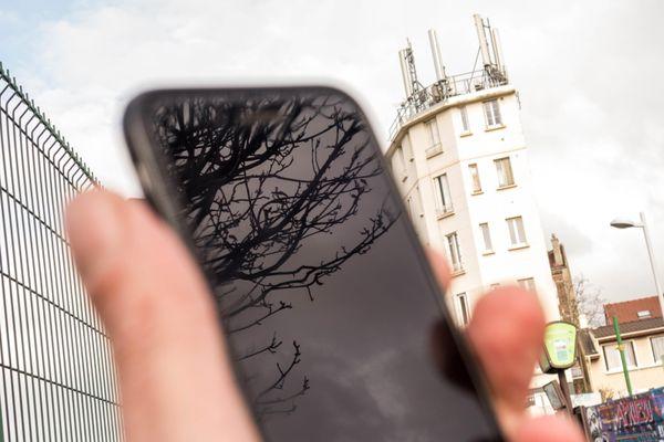Pour bénéficier de la 5G, il faut remplir plusieurs conditions... Parmi elles : avoir un téléphone compatible.