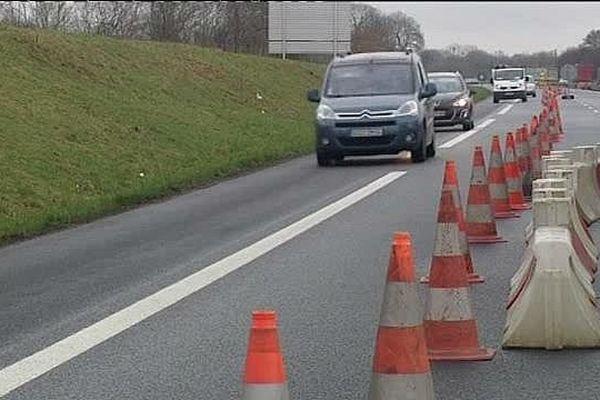 Le trafic se fait pour le moment sur une voie à hauteur de Clarbec, sur l'A13