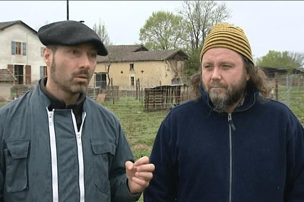 Mathieu Jourdain et Laurent Lacrouts sur leur ferme du Casse à Eyres-Moncube