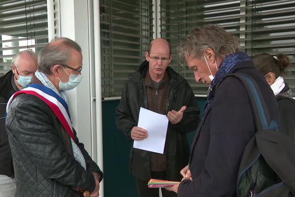Au lendemain de la décision de justice, les salariés et représentants du personnel d'Eolane se sont réunis pour évoquer les conséquences du placement en redressement du judiciaire.