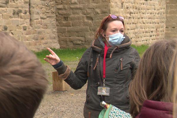 Faute de clientèle étrangère, les guides-conférenciers de Carcassonne s'efforcent de maintenir leur activité avec des visites scolaires et des groupes restreints - mars 2021.