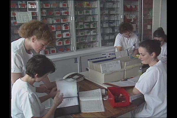 Au sein du service des maladies infectieuses de l'hôpital de Dijon, en 1991.