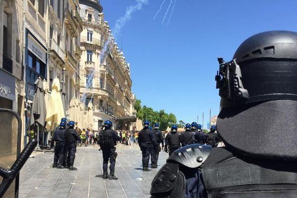 450 CRS ont été déployés dans le centre-ville de Montpellier pour le 30ème jour de mobilisation des gilets jaunes - 8 juin 2019