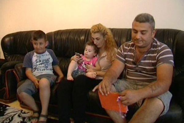 Romana et Alexander avec leur fils Robert et leur petite dernière, Dahlia