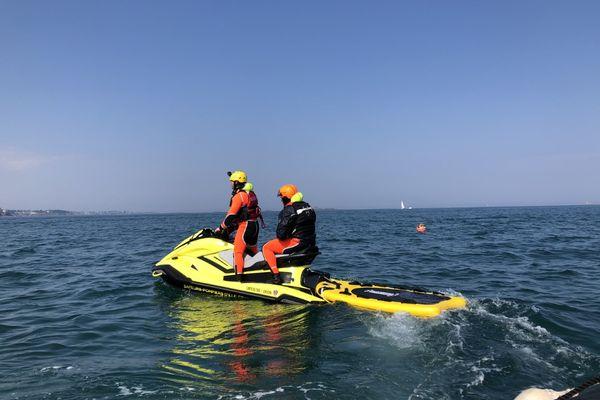 34 sapeurs-pompiers basés à Saint-Malo sont formés au sauvetage en jet ski du 19 au 23 avril.