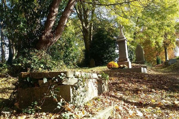 Le cimetière dormant de Coutances.