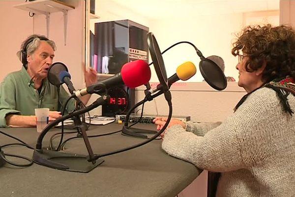 La Radio Grille Ouverte émet tous les jours à Alès grâce à ses 76 bénévoles