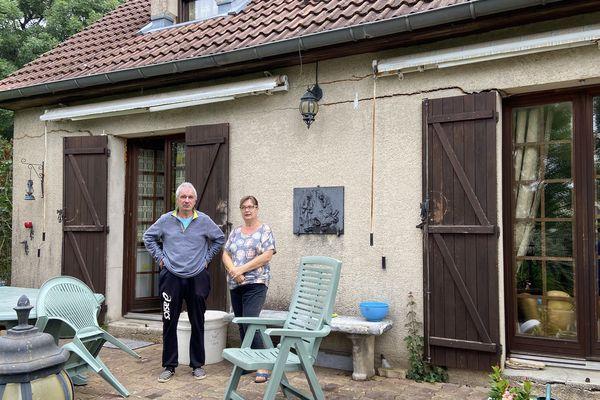 Installés depuis longtemps à Saints-Geosmes, Patrick et Nathalie n'ont ni l'envie ni les moyens de quitter leur foyer.