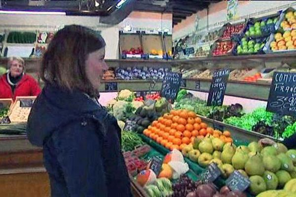 A Harfleur, une jeune fille autiste fait ses courses