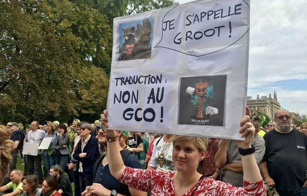Les militants anti-GCO réunis place de la République à Strasbourg samedi 6 octobre