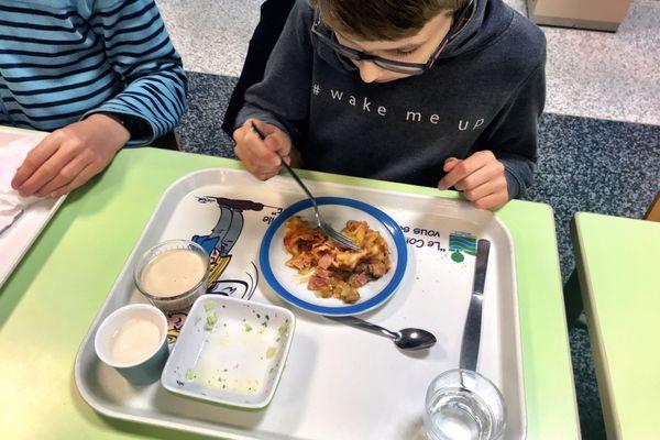 Réduire la taille des assiettes et des ramequins, un moyen pour réduire le gaspillage